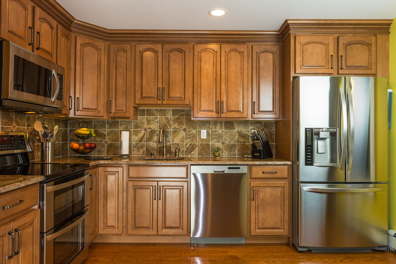 Distressed Kitchen Cabinets for Custom Kitchen